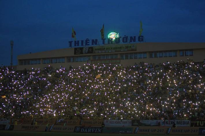 Thần tài mở hàng chung kết AFF Cup 2018 đóng chốt, Quảng Nam thắng cực kỳ khó tin - Ảnh 2.