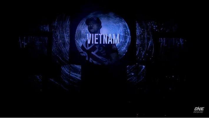"""Võ sĩ gốc Việt Martin Nguyễn tung hơn 20 cú đấm liên tiếp, """"hủy diệt"""" cao thủ Nhật Bản - Ảnh 2."""
