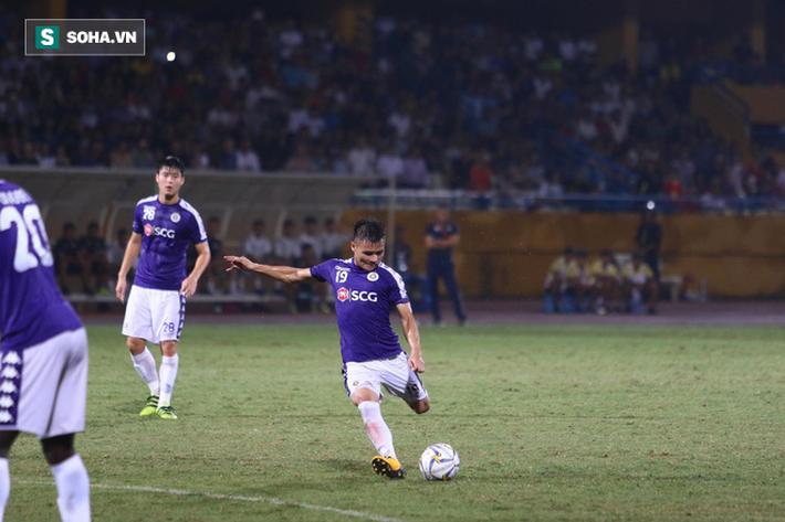 Fan Đông Nam Á trầm trồ vì Quang Hải, chỉ ra điều vượt trội Messi Thái - Ảnh 2.