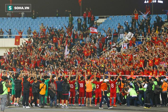 HLV Park Hang-seo, đừng vì sợ Thái Lan mạnh mà chơi cú all-in đầy may rủi! - Ảnh 1.