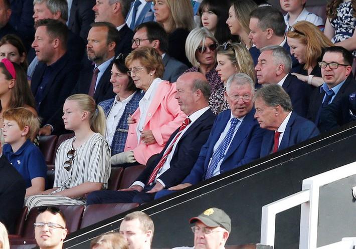 Man United thua sốc Crystal Palace, báo chí Anh chỉ tên tội đồ - Ảnh 2.
