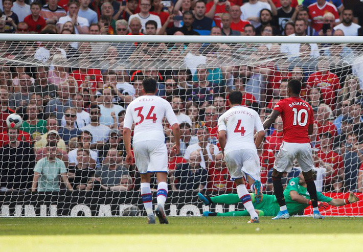 Man United thua sốc Crystal Palace, báo chí Anh chỉ tên tội đồ - Ảnh 5.