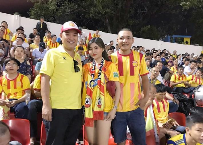 Á khôi fan Barca biến tình yêu bóng đá thành công việc trong mơ tiếp lửa cho cầu thủ Việt - Ảnh 5.