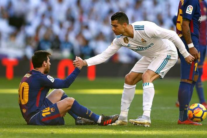Messi - Ronaldo: Một thập kỷ anh hùng trọng anh hùng - Ảnh 2.