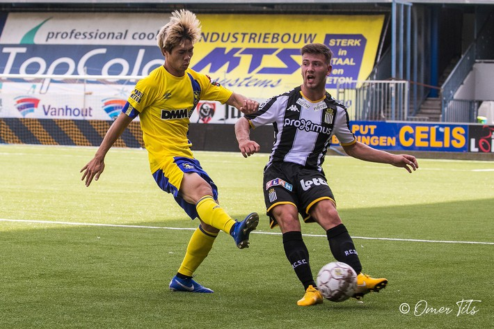 Chùm ảnh: Công Phượng dũng mãnh trong ngày lập công cho Sint-Truidense VV - Ảnh 5.