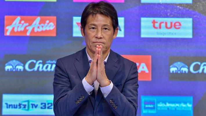 Thái Lan đấu Việt Nam, HLV Akira Nishino bấn loạn - Ảnh 1.