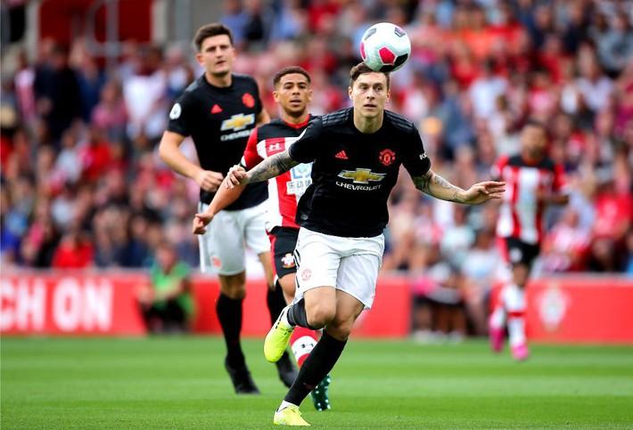 Sai lầm của Lindelof hóa ra chưa phải là điều duy nhất khiến Man United sảy chân - Ảnh 2.