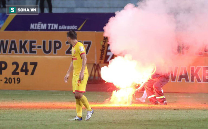 Hà Nội FC hủy diệt đối thủ ngày cảnh tượng hãi hùng lấn át cơn mưa bàn thắng ở Hàng Đẫy - Ảnh 2.