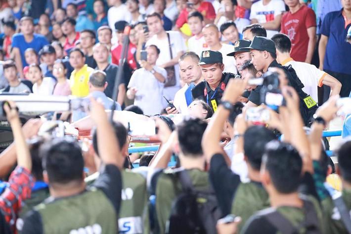 Hà Nội FC hủy diệt đối thủ ngày cảnh tượng hãi hùng lấn át cơn mưa bàn thắng ở Hàng Đẫy - Ảnh 3.