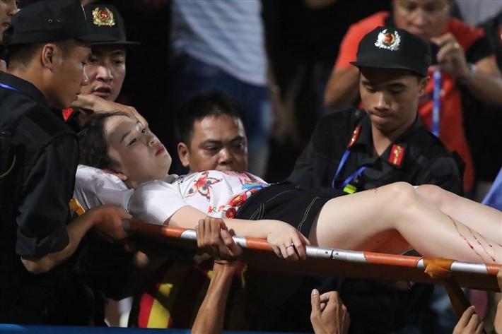 CLB Hà Nội và VFF phớt lờ cảnh báo của VPF dẫn đến sự cố ở sân Hàng Đẫy - Ảnh 1.