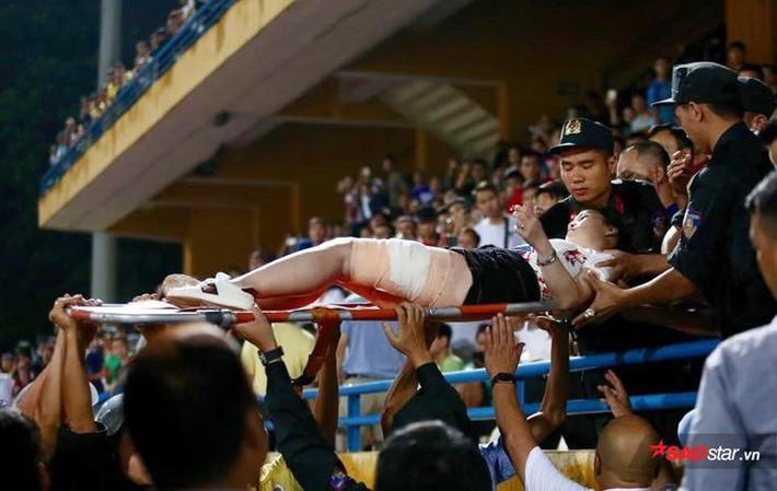 CLB Hà Nội sẽ bị treo sân nhà hết V.League 2019, phạt 90 triệu - Ảnh 1.