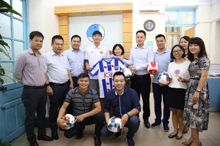 Bản quyền đã mua xong, khán giả truyền hình Việt Nam sẽ được theo dõi Văn Hậu mỗi tuần? - Ảnh 1.