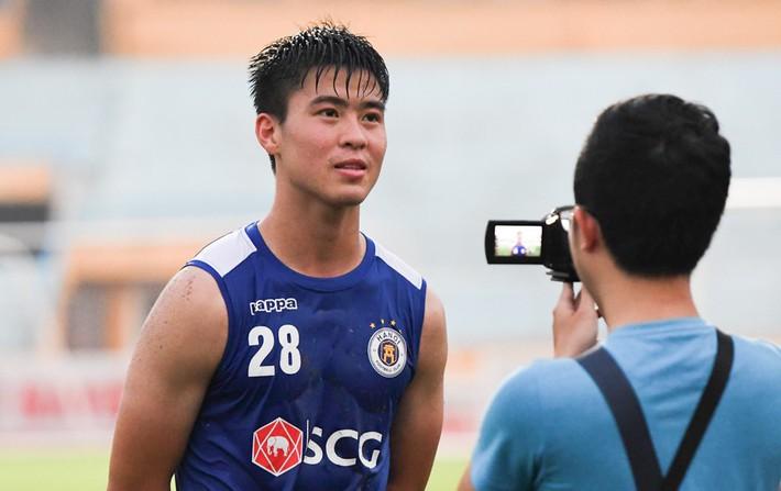 Duy Mạnh: Rất đáng buồn nếu Hà Nội FC nâng cúp ở sân không khán giả - Ảnh 1.