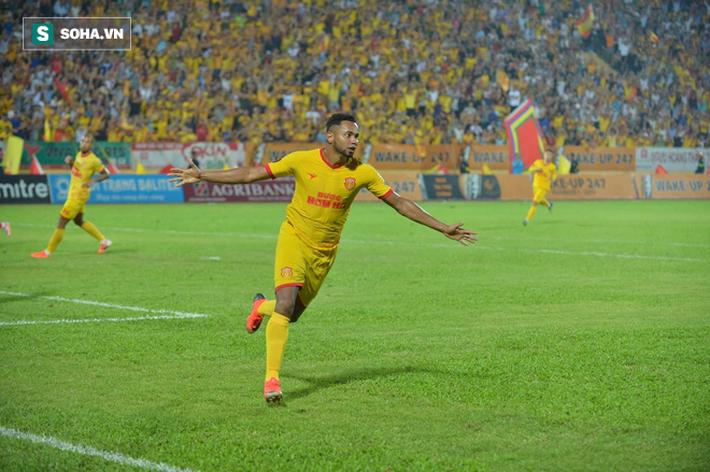 Sau thảm họa pháo sáng, Nam Định mang niềm vui đến cho Hà Nội FC theo cách đặc biệt - Ảnh 2.