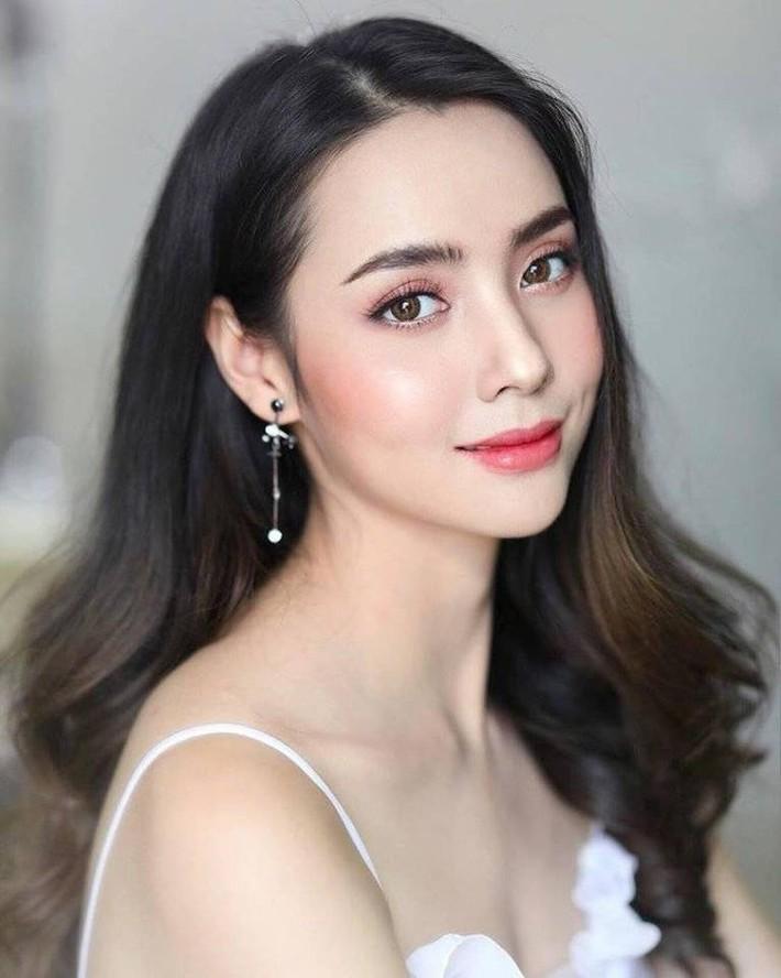 Bạn gái Messi Thái trở thành cô dâu kiều diễm - Ảnh 3.