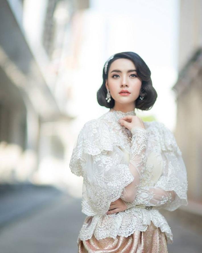 Bạn gái Messi Thái trở thành cô dâu kiều diễm - Ảnh 7.