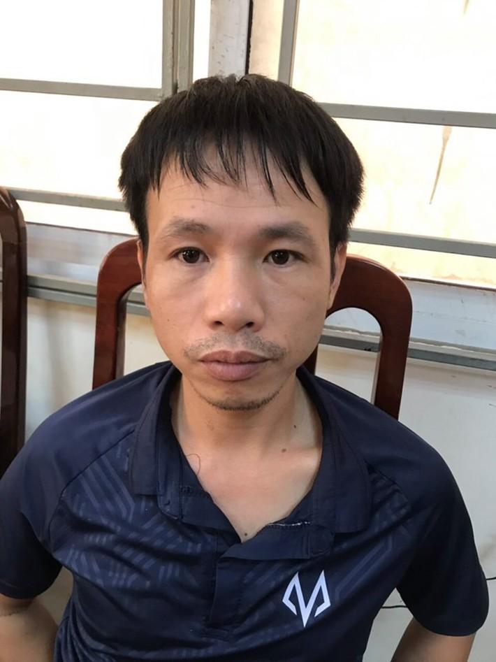 Chính thức xác định danh tính CĐV Nam Định bắn pháo sáng, hành hung CSCĐ tại sân Hàng Đẫy - Ảnh 2.
