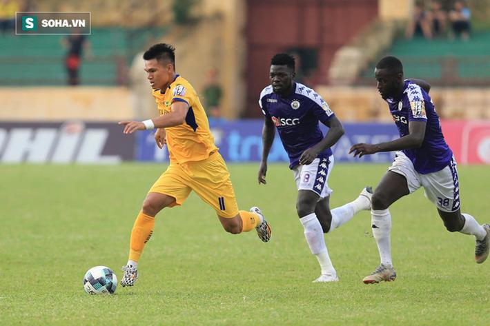 Vũ khí bí mật của thầy Park lập công, Hà Nội FC chính thức lên ngôi vô địch V.League - Ảnh 2.