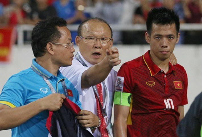 Loại Minh Vương, Văn Quyết, đâu là sai lầm khiến thầy Park tính già hóa non? - Ảnh 5.