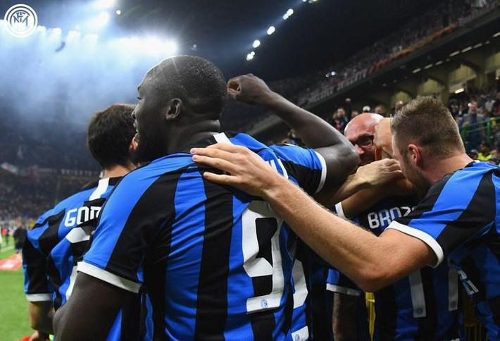 Lukaku lại ghi bàn, Inter tiếp tục dẫn đầu Serie A - Ảnh 2.