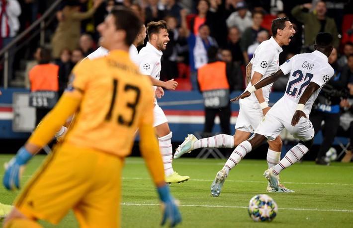 Zidane không quan tâm chuyện Mourinho 'giật ghế' - Ảnh 1.