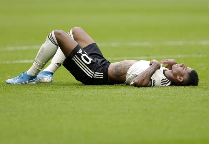 MU gặp họa lớn sau thảm bại West Ham - Ảnh 1.