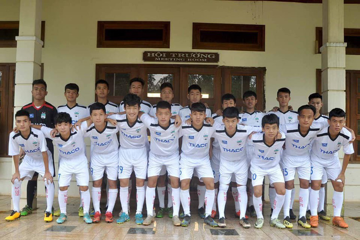Sếp HAGL: Công Phượng, Văn Hậu sang châu Âu sẽ tạo nên thế lực mới cho bóng đá Việt Nam - Ảnh 1.