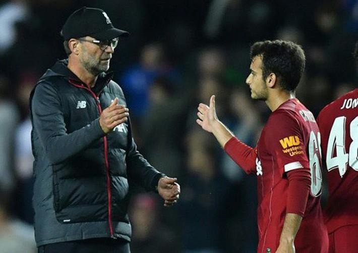 Dùng cầu thủ bất hợp pháp, Liverpool bị cấm thi đấu Cúp Liên đoàn - Ảnh 2.