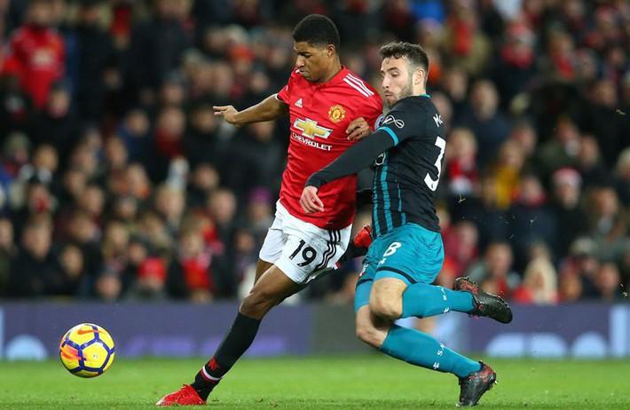Huyền thoại Arsenal: MU không còn đáng sợ ở sân Old Trafford - Ảnh 1.