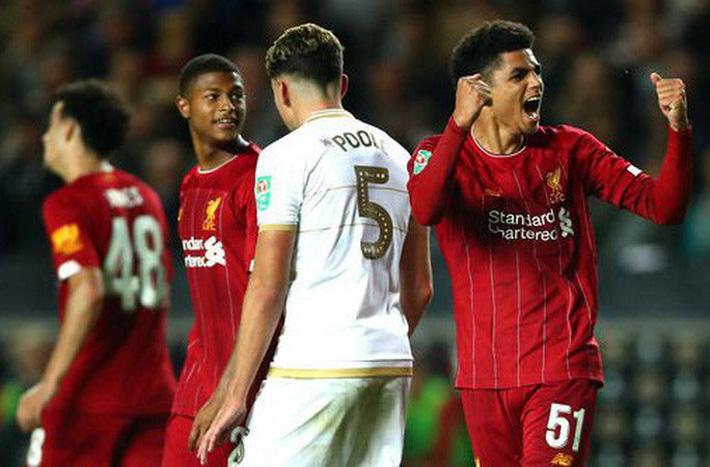 Dùng cầu thủ bất hợp pháp, Liverpool bị cấm thi đấu Cúp Liên đoàn - Ảnh 3.