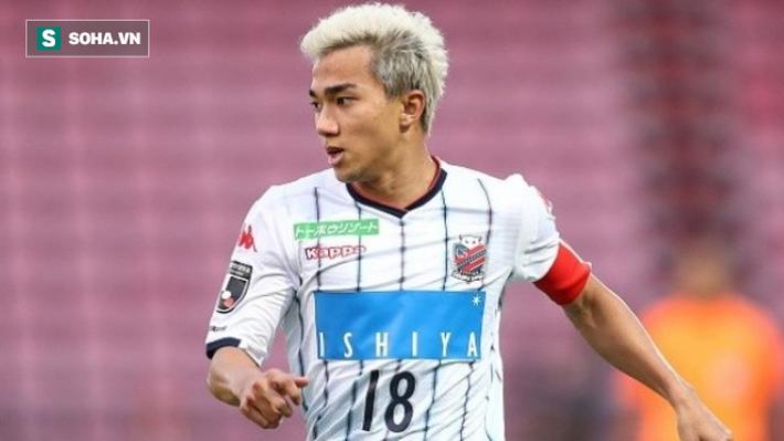 Sau pha kiến tạo sắc lẹm, Messi Thái hé lộ điểm trái ngược giữa HLV Nishino và thầy Park - Ảnh 1.