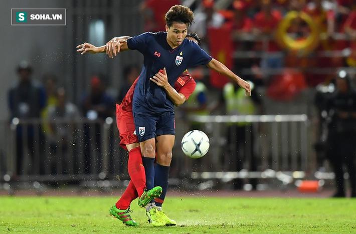 Một ngày sau cú đòn triệt hạ Quế Ngọc Hải, cầu thủ Thái Lan phải chia tay đội tuyển - Ảnh 2.