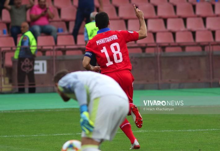 Đội bóng xếp dưới Việt Nam gây sốc khi đánh bại dàn sao Champions League - Ảnh 1.