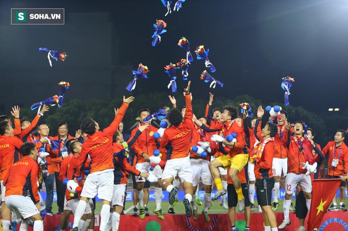 Trước sức ép nghẹt thở từ đại kình địch, U23 Việt Nam khó lòng bước qua vạch xuất phát - Ảnh 1.