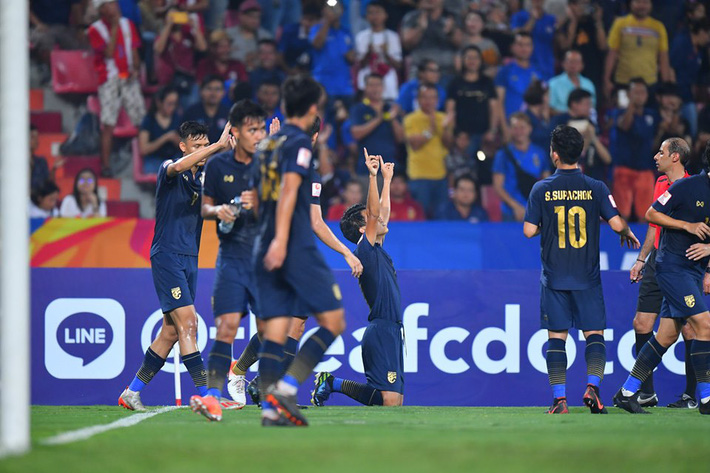 """Hai lần """"chết đứng"""", U23 Thái Lan để thua ngược trong muôn vàn cay đắng - Ảnh 1."""