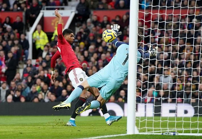 Man United đại thắng, mở đại tiệc nhà hát Old Trafford - Ảnh 3.