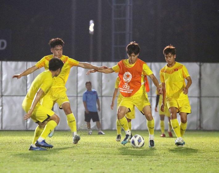 U23 Việt Nam làm điều trái ngược với Jordan, thầy Park lưu tâm đặc biệt tới Quang Hải - Ảnh 3.
