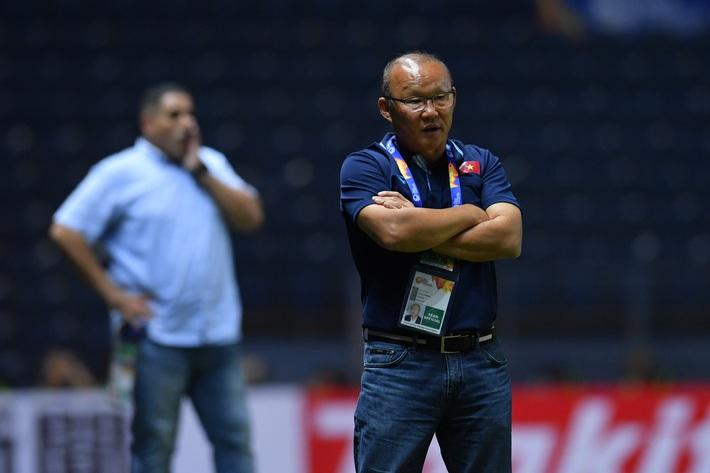 Vòng loại World Cup: Đối thủ rầm rộ chiêu mộ bom tấn, thầy Park gặp nhiều khó khăn - Ảnh 4.
