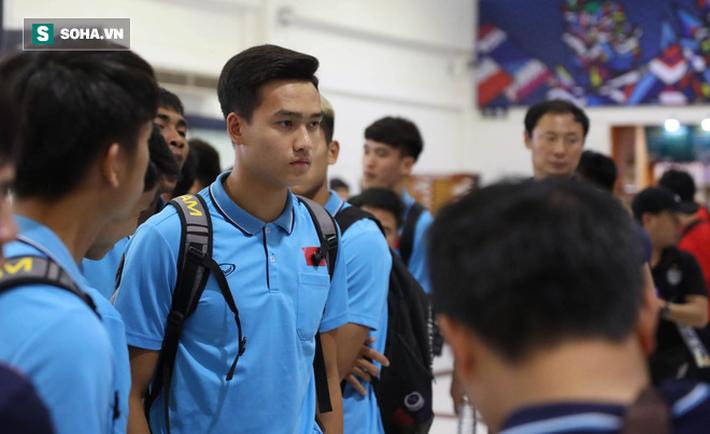 Thầy Park mệt mỏi, U23 Việt Nam lặng lẽ về Bangkok chuẩn bị quyết đấu Triều Tiên - Ảnh 16.