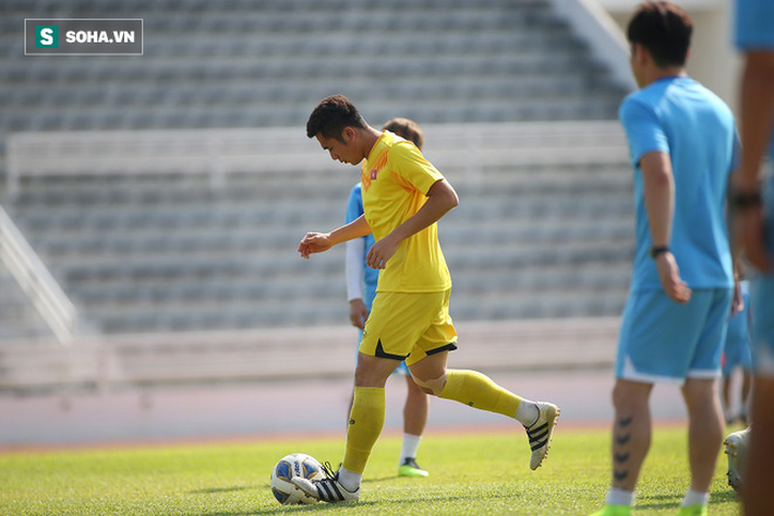 Thầy Park phân thân, lộ rõ vẻ trầm ngâm ở buổi tập cuối của U23 Việt Nam tại Buriram - Ảnh 4.