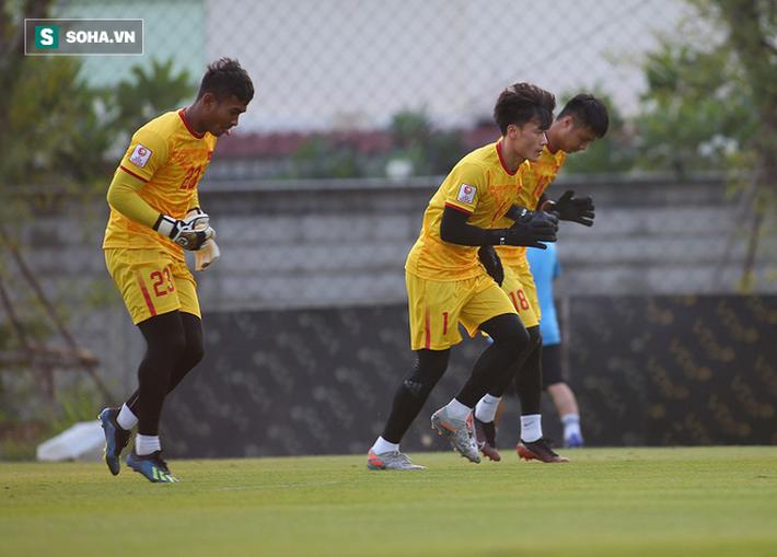 U23 Việt Nam nhận hung tin, nguy cơ mất trụ cột ở hàng thủ khi quyết đấu U23 Triều Tiên - Ảnh 7.