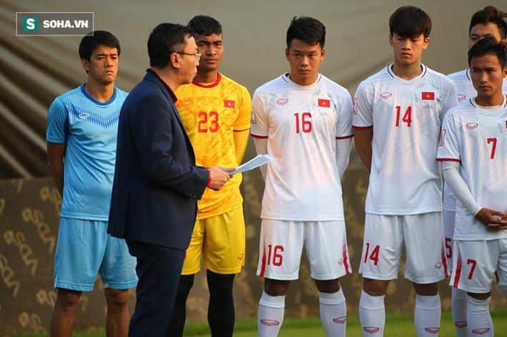 U23 Việt Nam nhận hung tin, nguy cơ mất trụ cột ở hàng thủ khi quyết đấu U23 Triều Tiên - Ảnh 2.