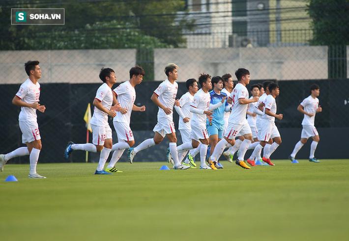 U23 Việt Nam nhận hung tin, nguy cơ mất trụ cột ở hàng thủ khi quyết đấu U23 Triều Tiên - Ảnh 4.