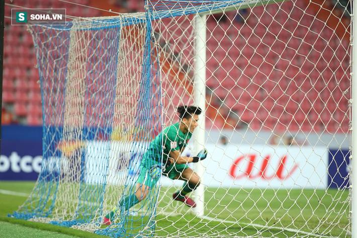 Bùi Tiến Dũng mắc lỗi tai hại khiến U23 Việt Nam nhận bàn thua ngỡ ngàng - Ảnh 1.