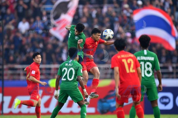 """Thái Lan """"chết đứng như Từ Hải"""", vỡ mộng Olympic vì phán quyết gây tranh cãi của trọng tài - Ảnh 1."""
