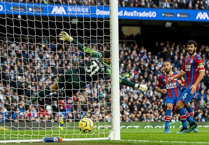 Sergio Aguero ghi bàn thứ 250, Man City rơi chiến thắng sân nhà  - Ảnh 2.