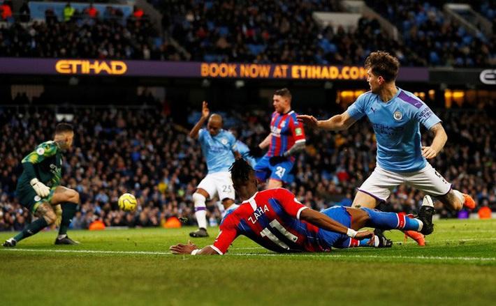 Sergio Aguero ghi bàn thứ 250, Man City rơi chiến thắng sân nhà  - Ảnh 5.