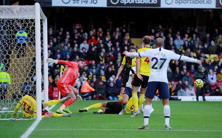 Sergio Aguero ghi bàn thứ 250, Man City rơi chiến thắng sân nhà  - Ảnh 6.