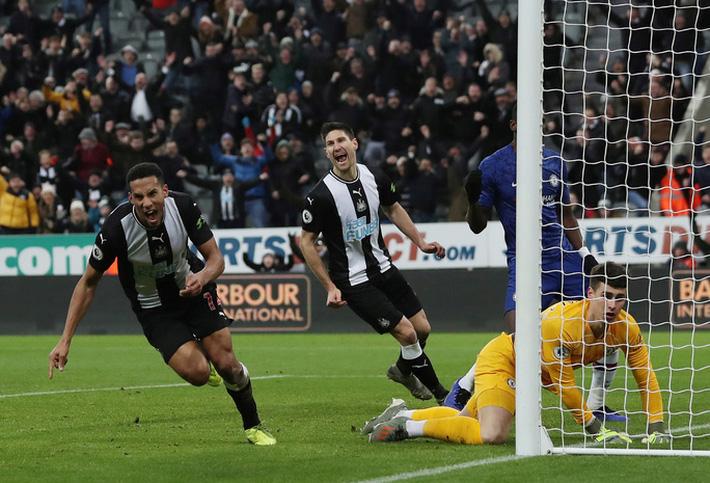 Sergio Aguero ghi bàn thứ 250, Man City rơi chiến thắng sân nhà  - Ảnh 7.