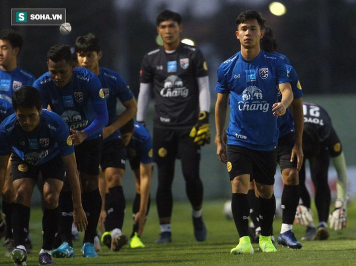 HLV Nishino gặp sự cố bất ngờ, U23 Thái Lan còn có thể mất ngôi sao số 1 ở giải U23 châu Á - Ảnh 1.